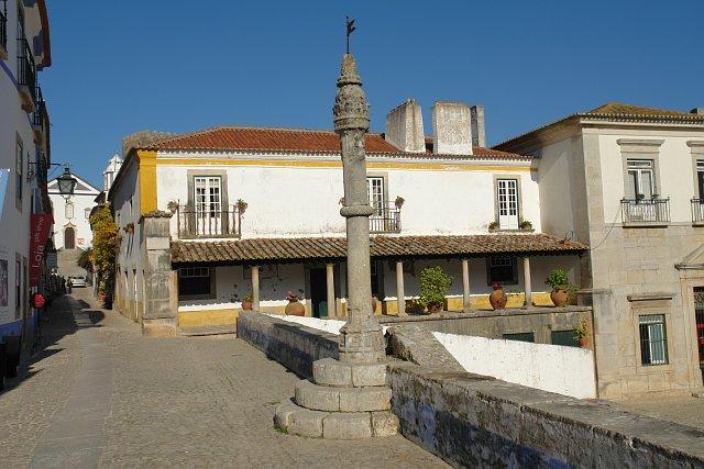Pelourinho : Les colonnes sur les places de villes et villages Portugais